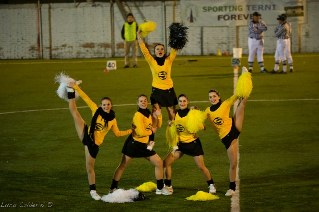 Cheerleaders Steelers Tern