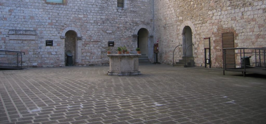 La Corte interna della Rocca di Narni