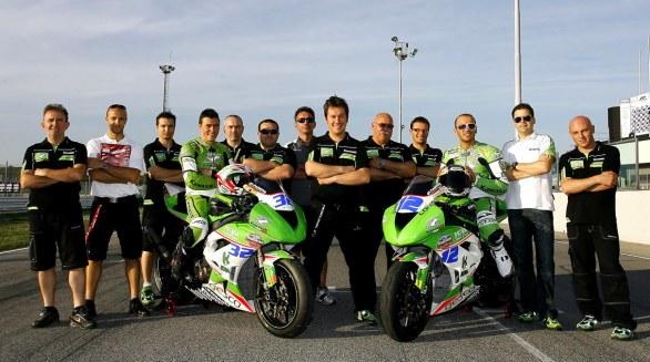 Mirko Giansanti ed il Puccetti Racing Team del 2012 (foto di MotoBlog)