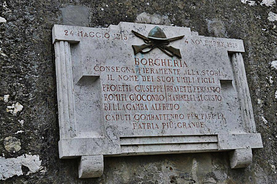 Lapide Commemorativa a Borgheria (Foto di Massimo Sanfatè)