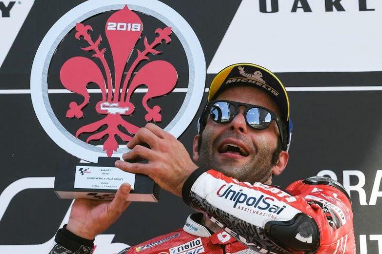 Danilo Petrucci sul podio del Mugello (Foto di Straitstimes.com)